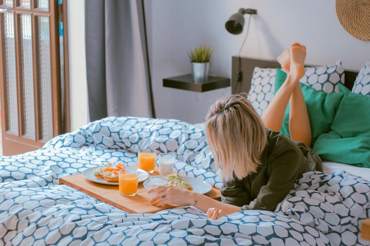 girl beginning her morning routine